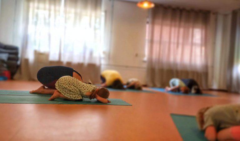 Ouder & kind yoga bij Anna's Yoga Tree Overvecht